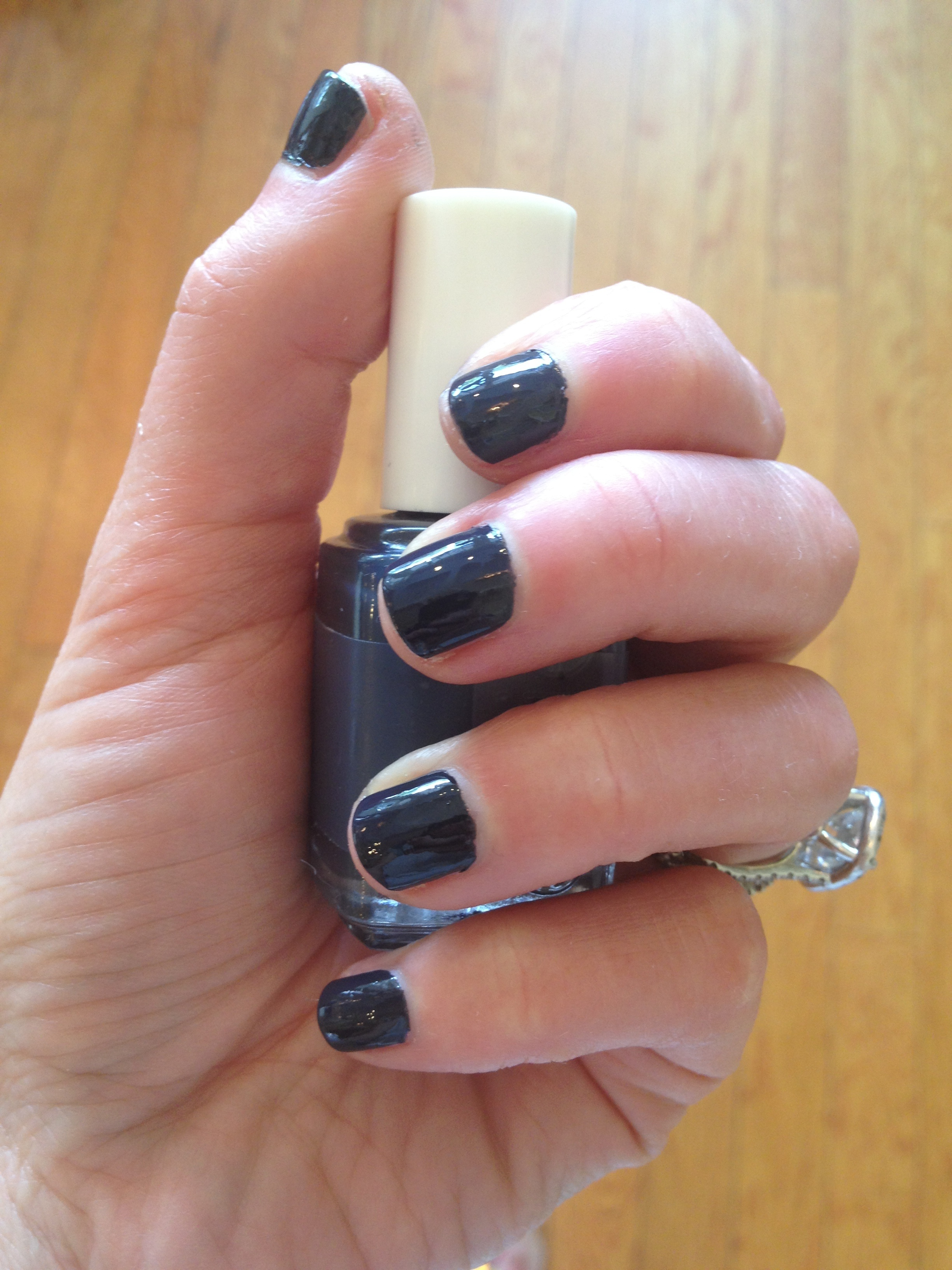 essie 39 s bobbing for baubles archives coco in cashmere coco in cashmere. Black Bedroom Furniture Sets. Home Design Ideas